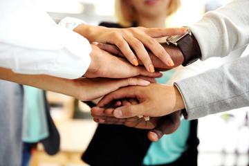 De bonnes relations au travail : une source de satisfaction, et non un facteur de motivation